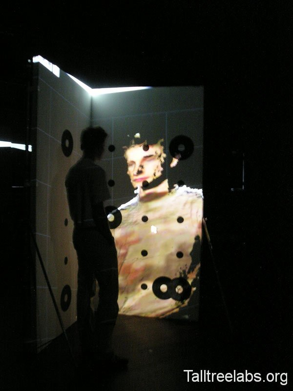 reviewing life size 3d scan